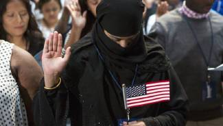 5 million immigrants granted US citizenship can't speak English