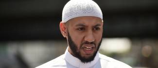 Imam saved London mosque attacker from angry crowd