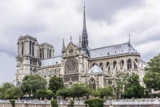 Man shot after trying to attack cop with hammer at Notre Dame