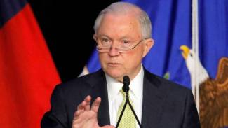 Senate Democrats enter new territory on Russia probes with push to grill Sessions, Trump
